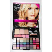 Victoria's Secret Give Me ULTIMATE STUDIO Makeup Kit