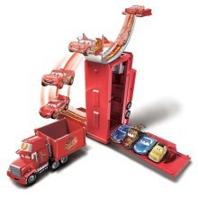 Cars Transforming Mack Playset DVF39
